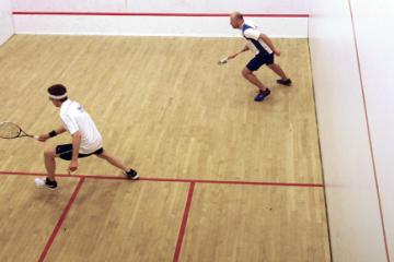 Comment jouer au squash ?