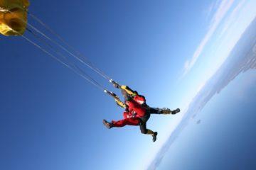 Faire un saut en parachute pour la première fois